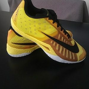 Men's Nike HyperLive Basketball Shoe